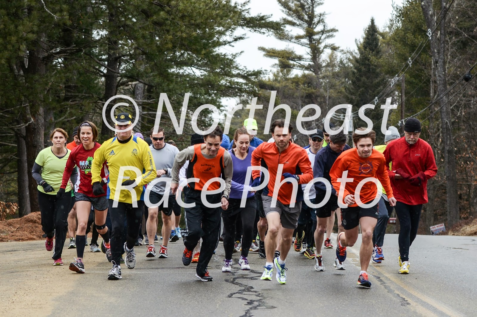 start of the 2014 Tom and Ron Boone Memorial 10K Road Race in Gardner, MA