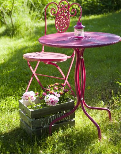 mesa de jardim ferro:iaiácasa: Mesa de ferro colorida no jardim