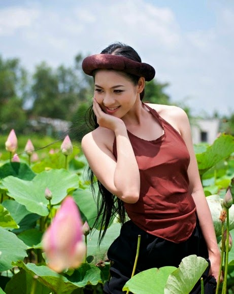 Thai Nha Van - The beauty of the girl in Mekong Delta