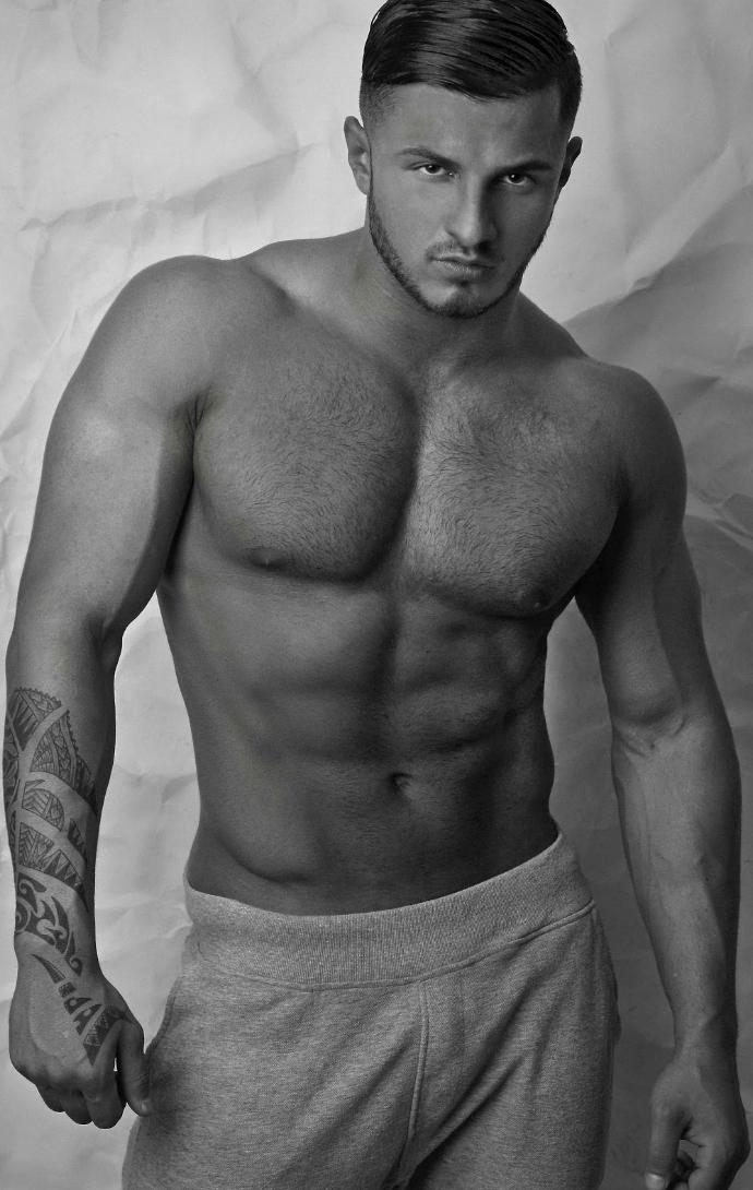 Erko Jun • Bodybuilder, Male Model and Personal Trainer