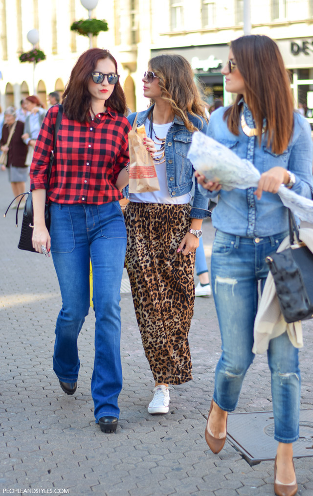 Moda stil: How to wear high waisted flared jeans and boyfriend plaid shirt. Street style, ulična moda rujan 2015, Zagreb by peopleandstyles.com