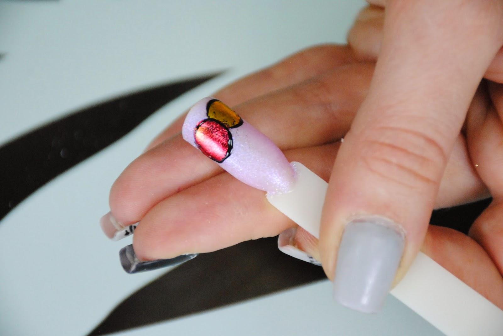 Как приклеить стразы на ногти чтобы держались