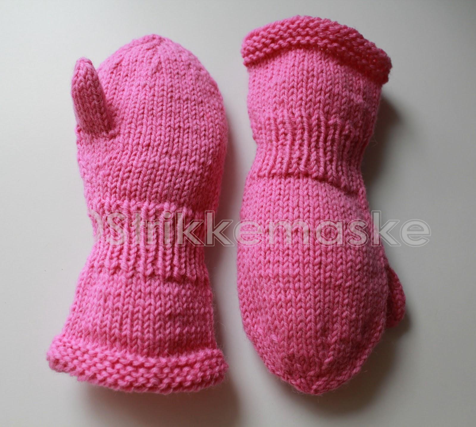 Strikka barnehagevotter i rosa