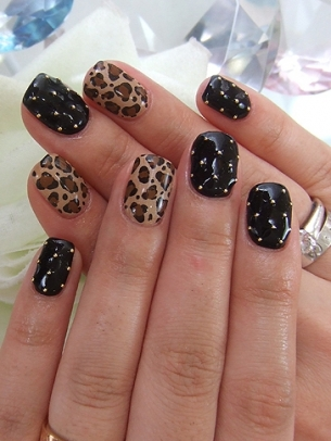 Lush fab glam blogazine summer beautiful leopard nail art designs to get the look try sally hansen salon effects kitty 16 count prinsesfo Image collections