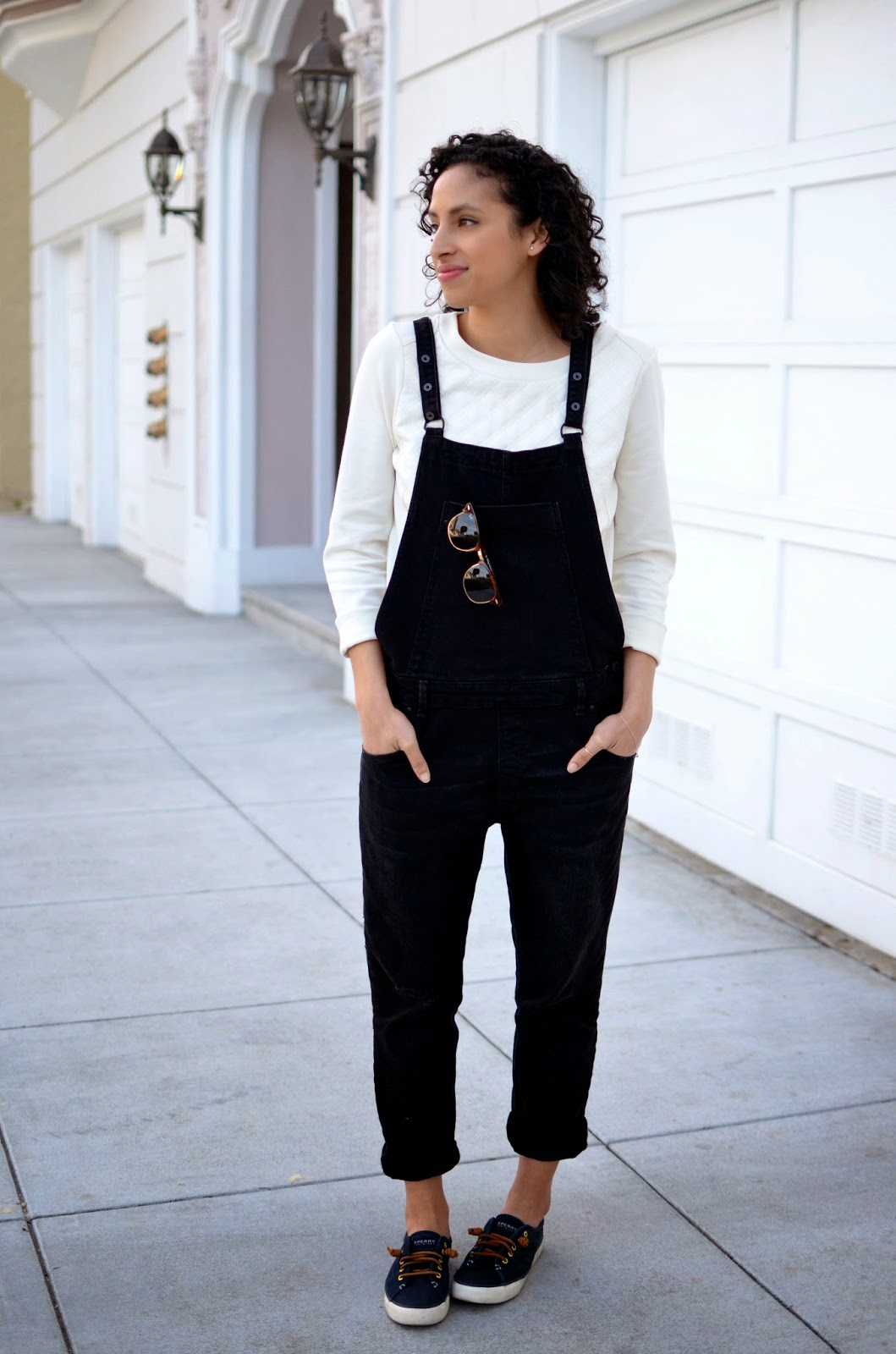how to style overalls, zara overalls, black overalls, black and white, ray-ban clubmasters