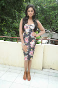 Karthika Nair latest photo shoot-thumbnail-8