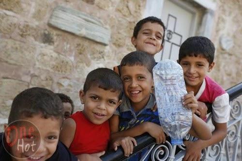 Warga Muslim Gaza mengungsi di Gereja Ortodoks Yunani 9