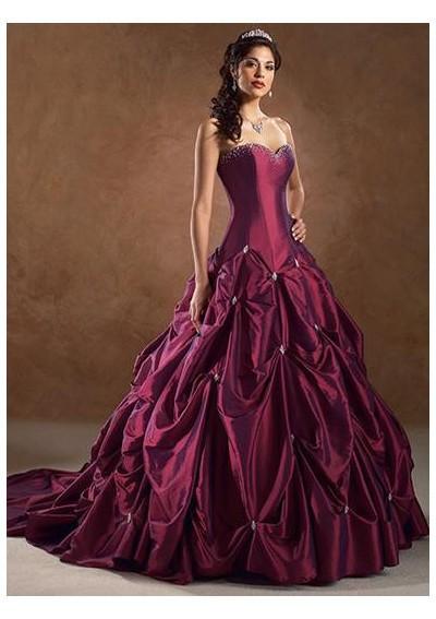 Enjoy Fashion Clothes: The Unique Ball Gown Wedding Dresses