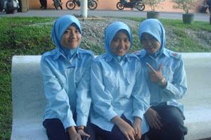 BFF PLKN 2011...Tonah..Me..Fadzilah