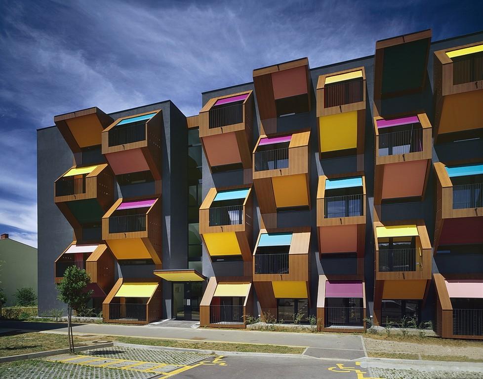 Izola honeycomb apartments by ofis arhitekti housevariety for Ofis arhitekti