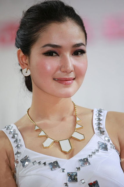 foto model cantik Auto show China 2012-10.jpg