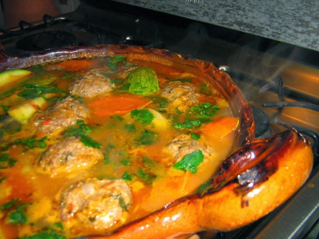 Caldo de albondigas receta the image - Albondigas con verduras ...
