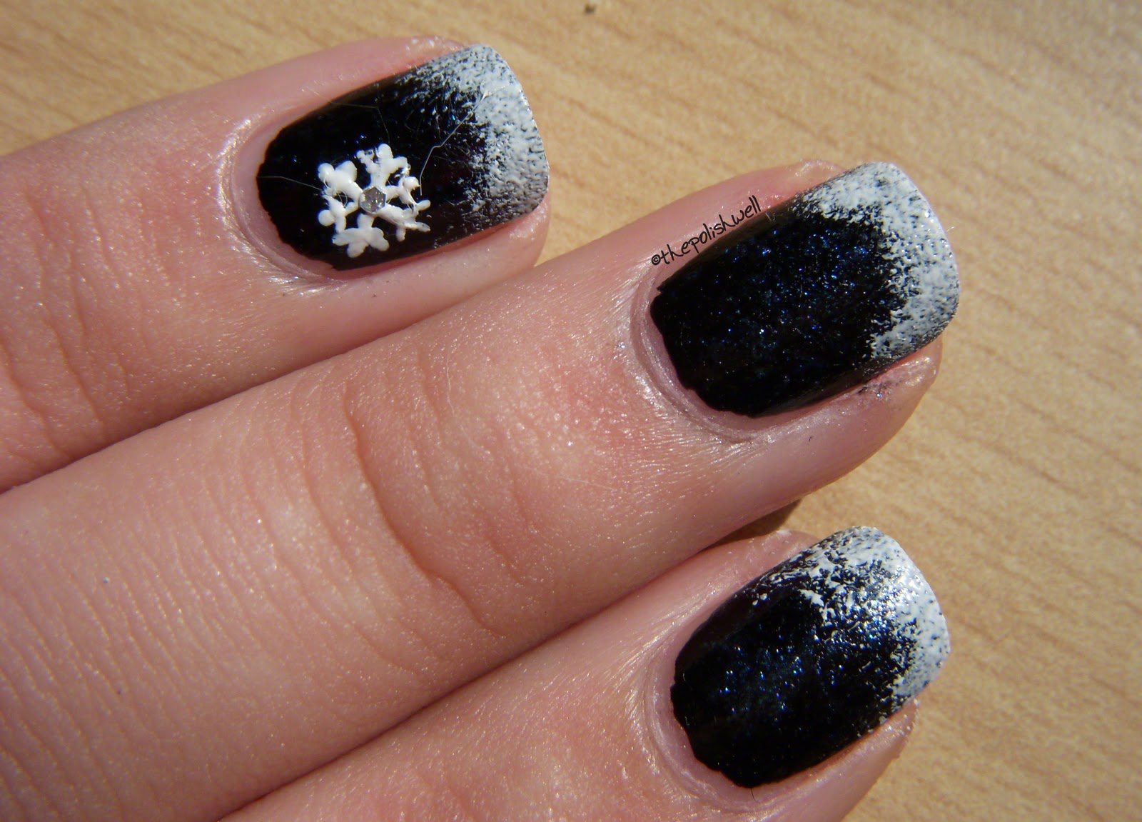 The Polish Well: 12 Days of Christmas: Day 4 - Snowflakes!