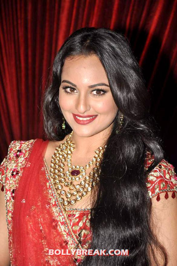 Sonakshi Sinha at India Bridal Fashion Week 2012 - Aamby Valley India Bridal Fashion Week 2012 Photos - Day 2