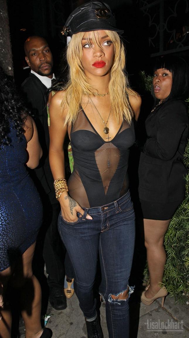 Denim Diva Rihanna Stylish Starlets