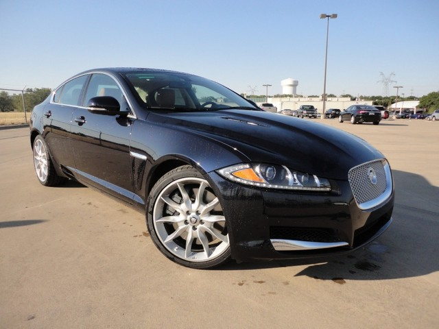 2012 jaguar xf supercharged interior exterior reviews. Black Bedroom Furniture Sets. Home Design Ideas