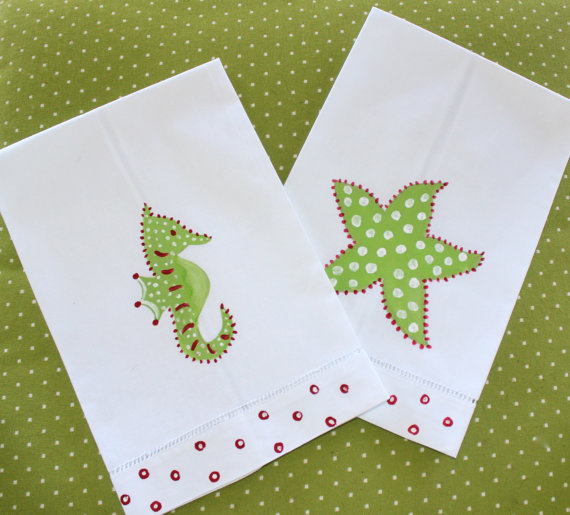 Giveaway: Coastal Christmas Guest Towels