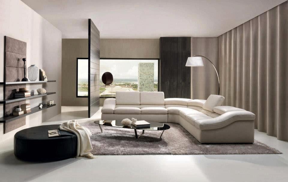 Les meubles aux formes originales sont disposés de manière à dégager plus d'espace