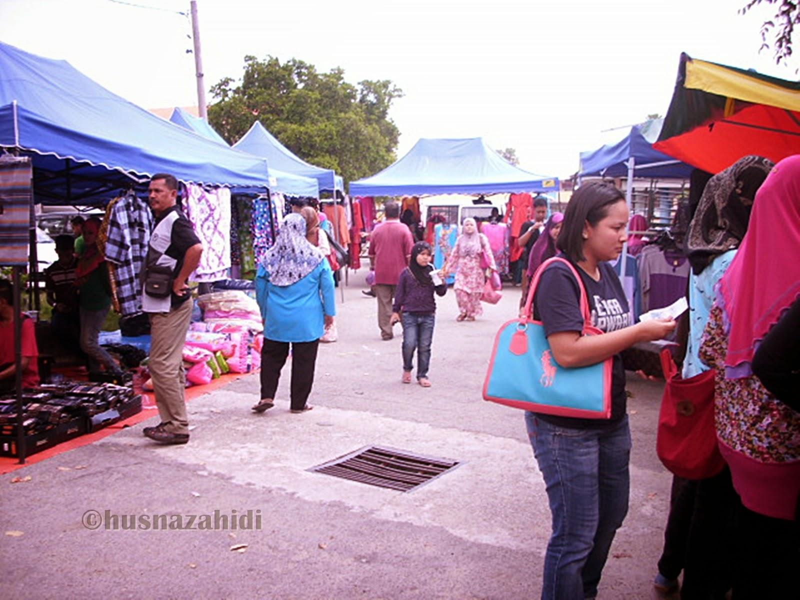 suasana pasar kemboja di parit buntar