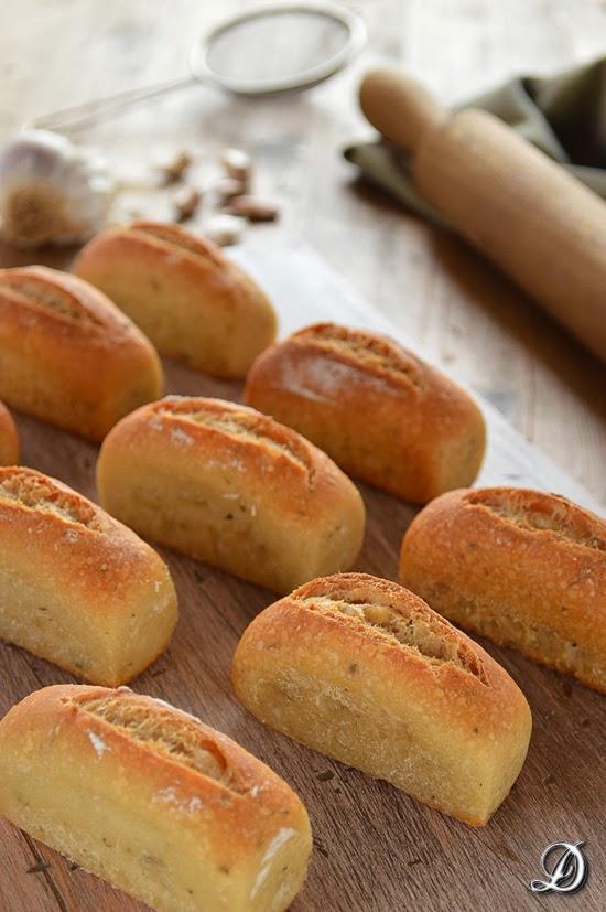 Panecillos de Patata, Ajo Asado y Ajedrea