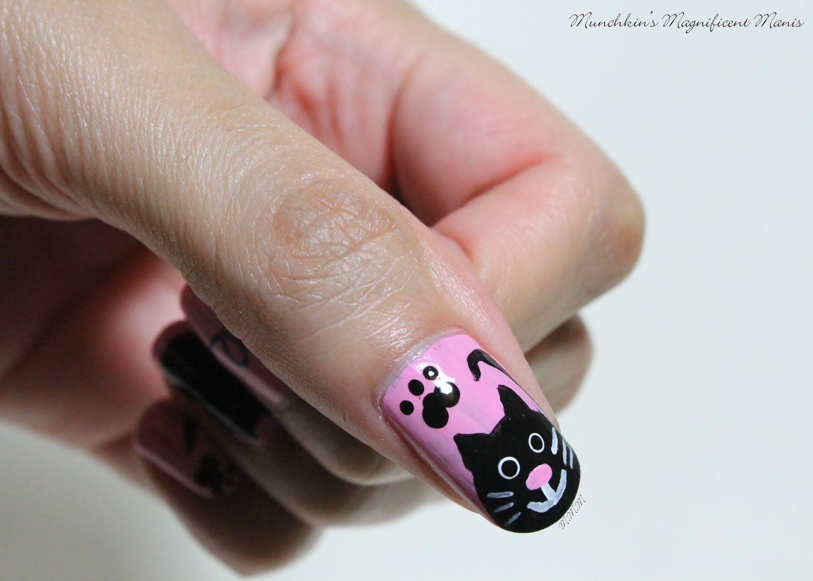 Munchkin\'s Magnificent Manis: Meow! Kitty Nail Design