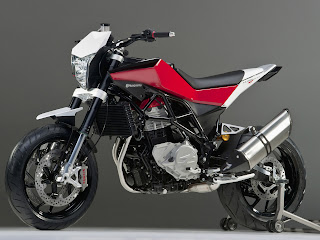2012 Husqvarna Nuda 900R Motorcycle Photos 3