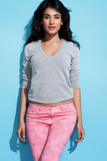 sonal-chauhan-smart-life-magazine-photo-5