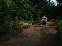 Jalan Penghubung Desa Puncel-Wedusan Rusak Parah