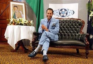Gaddafi son flees to Niger