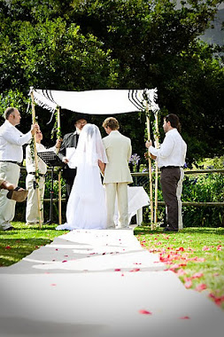 Hebrew Messianic wedding - under a Chuppah that is held by 4 people - Dec 2009