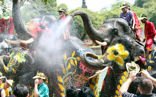 lễ hội té nước - những lễ hội ở Thái Lan