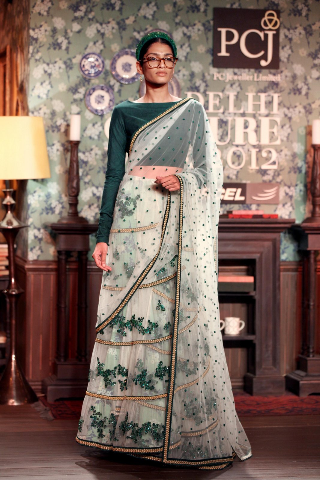 Bollywood Fashion: Delhi Couture week 2012 - The Delhi ... Sabyasachi Kurtis