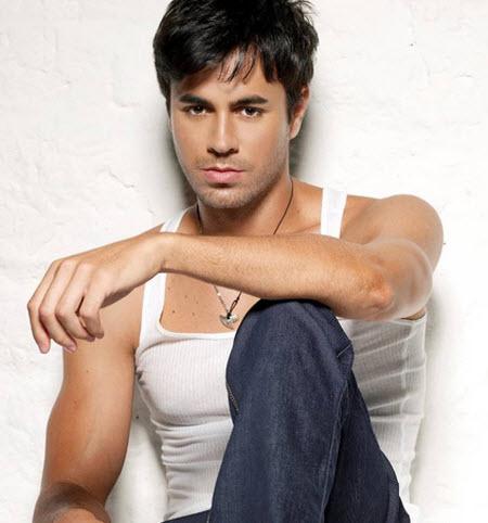 El cantante Enrique Iglesias tiene descendencia filipina por parte de la madre.
