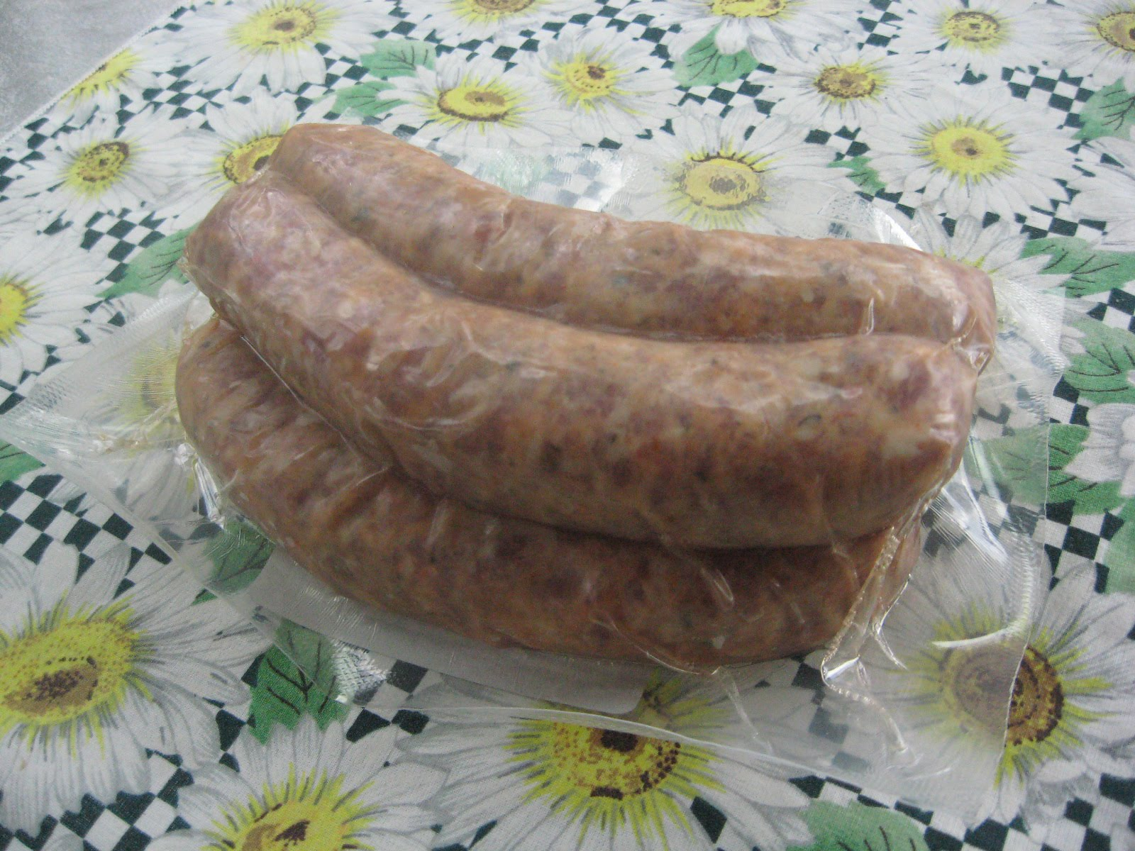 Man Cave Mini Brats : Barbecue master man cave tomato basil brat review