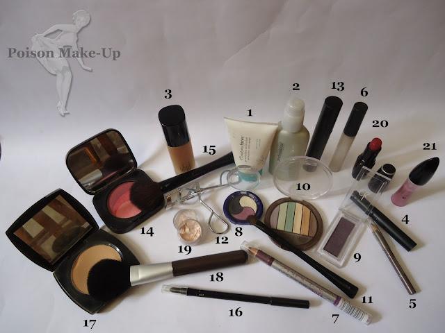 Produtos usados na make com sombra roxa