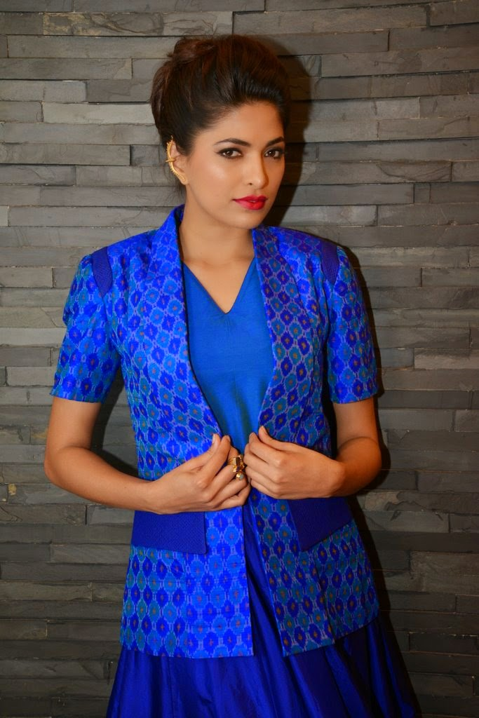 Parvathy Omanakuttan exclusive photo shoot for Designer Shruti Sancheti