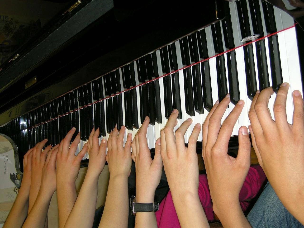 dedos no piano