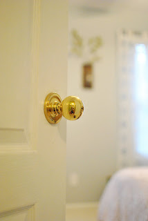 this kind of love diy spray painted door knobs. Black Bedroom Furniture Sets. Home Design Ideas