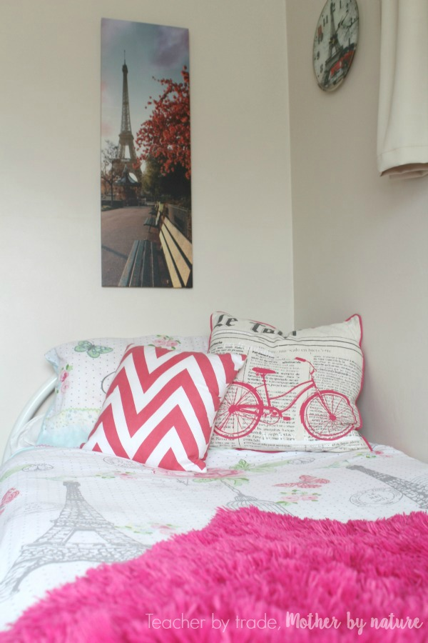 paris_Bedroom_guest_post