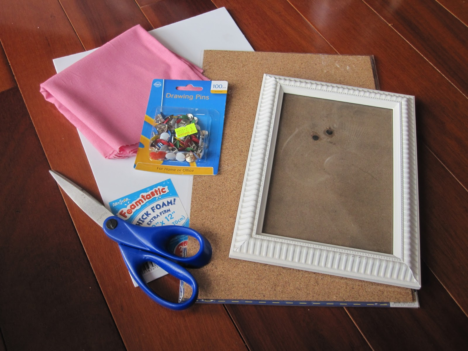 How to: Pin board frame - Crafted