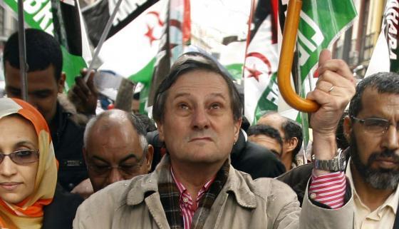 El eurodiputado de IU Willy Meyer, agredido por la Policía marroquí en El Aaiún