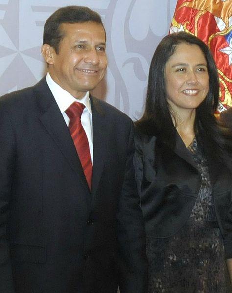 Presidente electo peruano Ollanta Humala junto a su esposa Nadine Heredia.