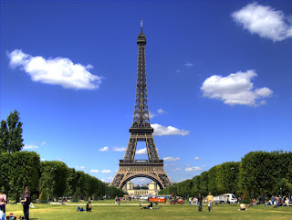 Paris, Menara Eiffel