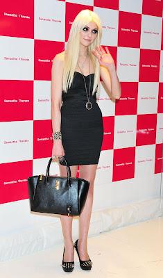 Taylor Momsen Hottie Samantha Thavasa Handbag - Beautiful Female Photos
