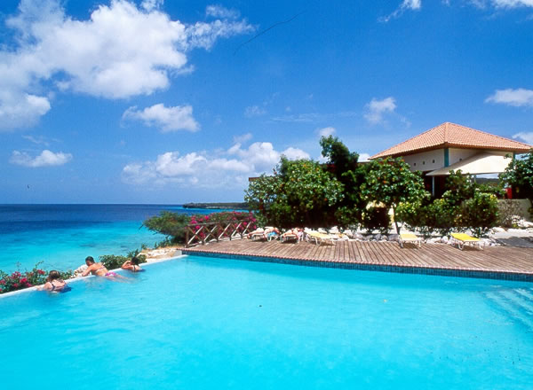 Romantic getaways curacao honeymoon caribbean island of for Best caribbean romantic vacations