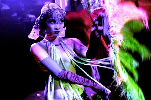 show burlesque lalla morte chapelier saint germain paris