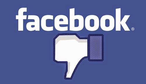 """Foto che raffigura la scritta di Facebook, con sotto la manina in giù del """"non mi piace"""""""