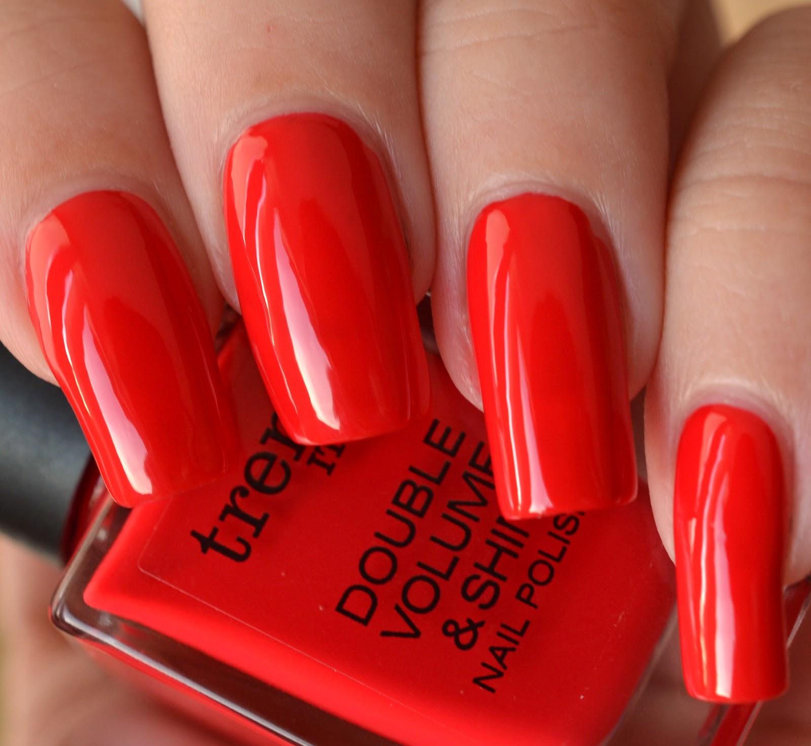 Lenas Sofa: trend it up Double Volume & Shine Nail Polish 150