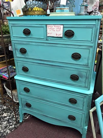Attirant Thrifty Little Things: Annie Sloan Chalk Paint Projects + Budget DIY  Furniture Makeovers: DIXIE BELLE PAINT DRESSER MAKEOVERS   BEFORE U0026 AFTER
