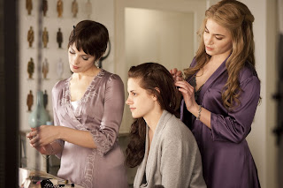 the-twilight-breaking-down-part-1-Ashley-Greene_Kristen-Stewart_Nikki-Reed